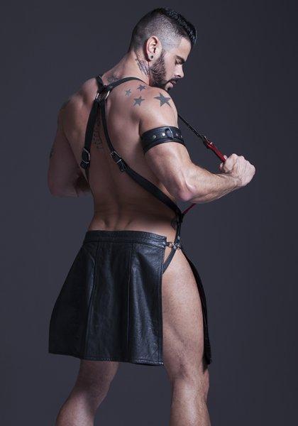 escort culona uniforme gay